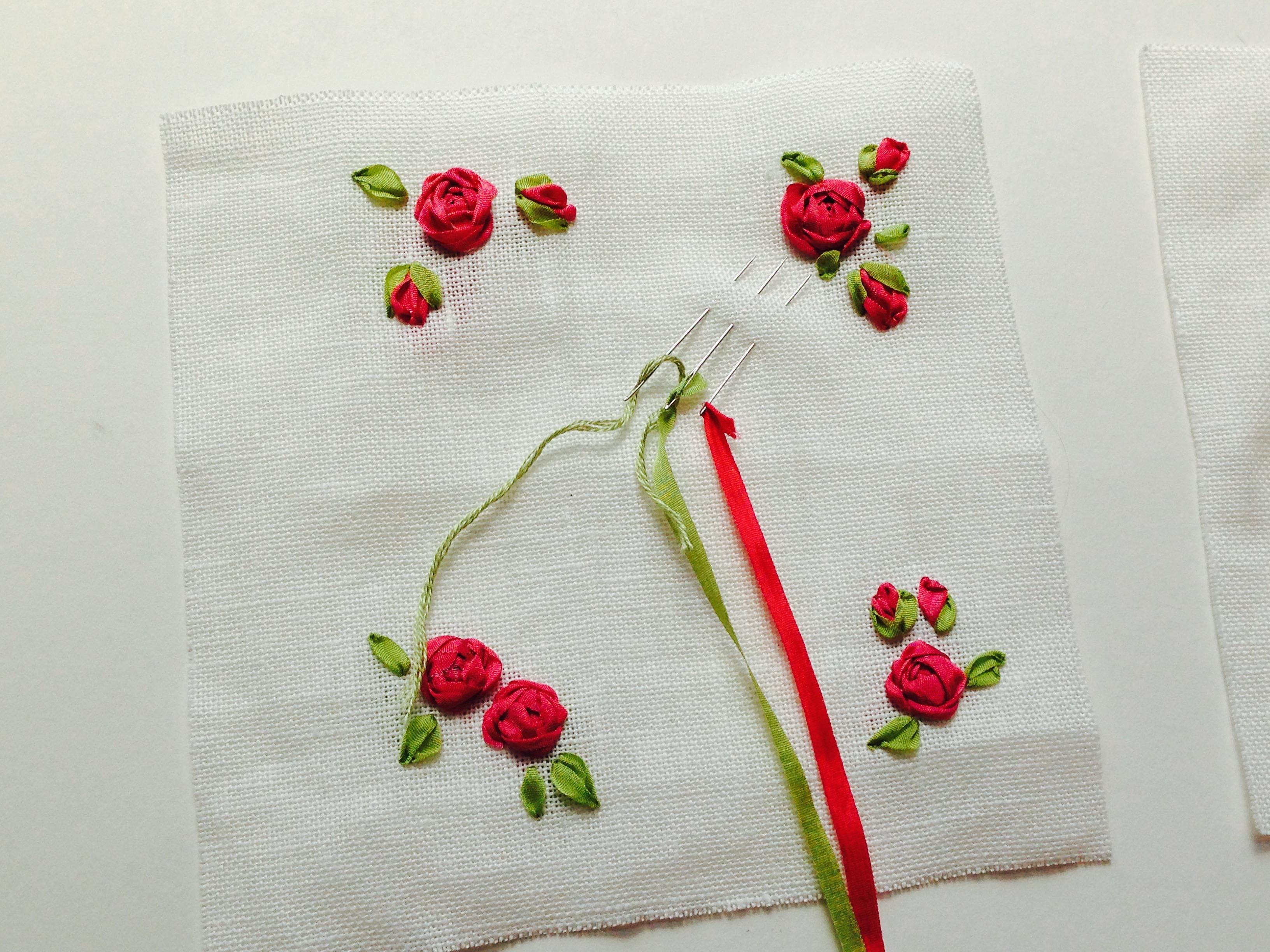 Roosjes van zijdelint