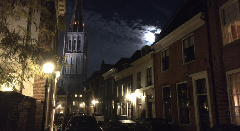 Doesburg by night