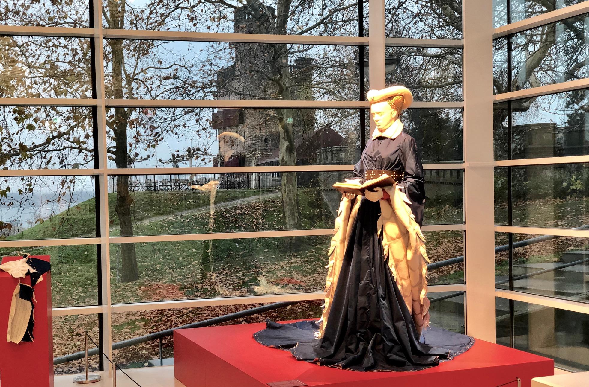 Museum Het Valkhof: Ik, Maria van Gelre