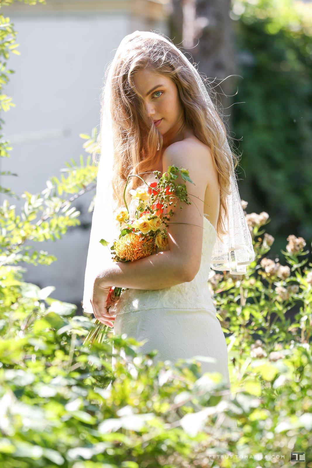 Bruid in parktuin, Doesburg